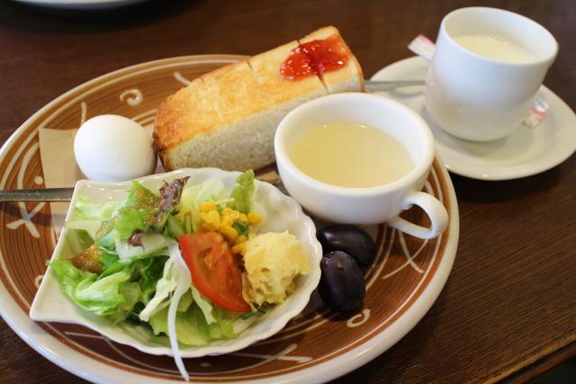 カフェ 「オルソン」高知・南国市で 「モーニング」