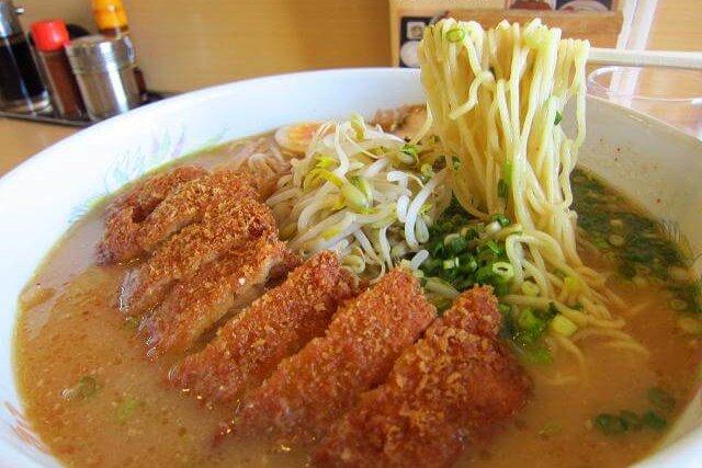 豚太郎大津店 味噌カツラーメン