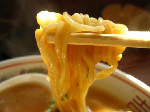 徳島ラーメン阿波本舗中華そば肉入りアップ