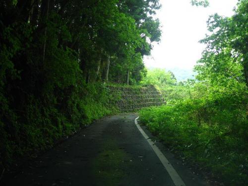 新改駅へ行く途中の道