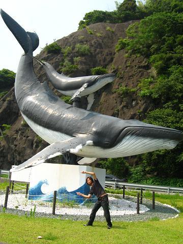 クジラとフュージョンしようとする農民
