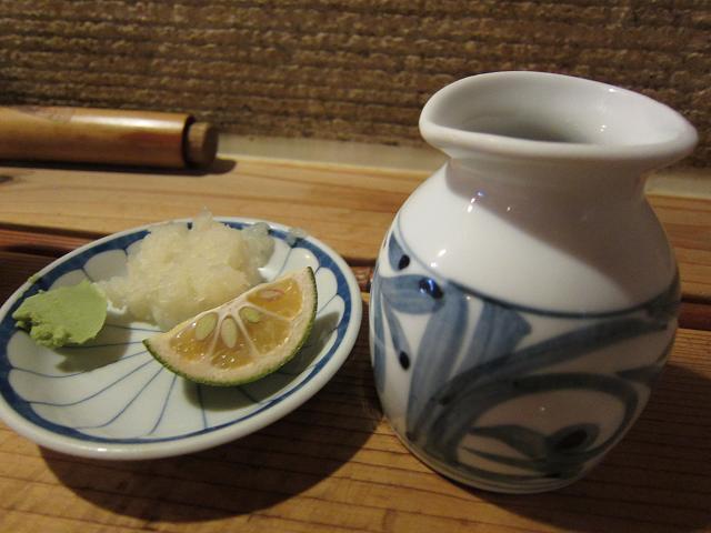 麺房三宅 冷やし天ぷらうどん(大盛) ぶっかけ出汁と薬味