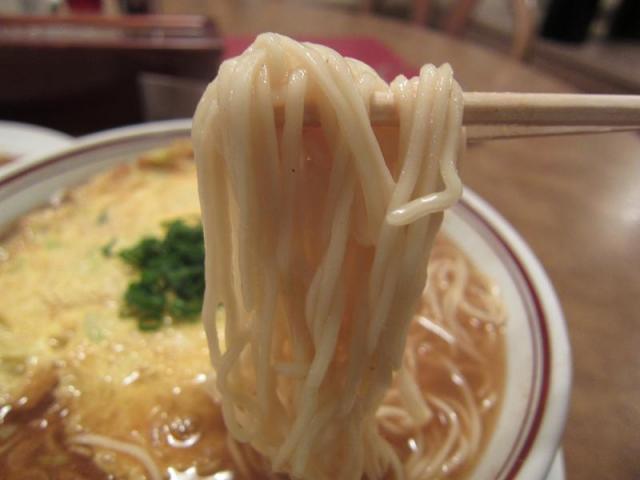 中華料理鳳来 天津メン(大盛) 麺アップ