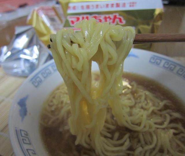 マルちゃん正麺 醤油味 麺アップ