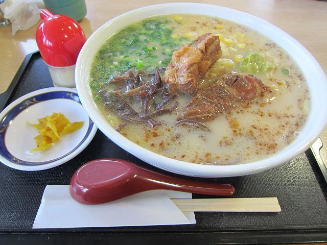 2日目! JAレストランちらん亭 黒豚ラーメン(大盛)
