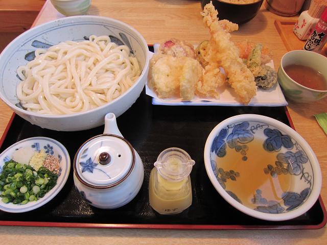 うどん小屋一六八 しょうゆ天ぷら(大盛) ※ 通常は提供されていないということなので、ご承知おき下さい