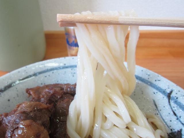 三里うどん本舗 牛筋ぶっかけ(大) 麺アップ
