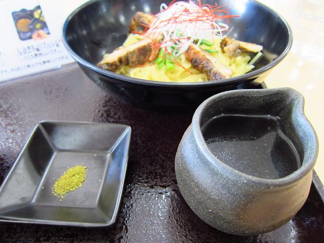 南国SA(上り) 四万十鶏・大人のつけ麺 出汁と山椒