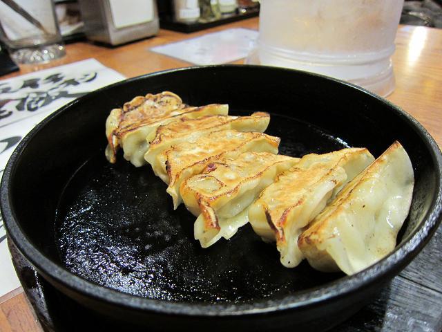 しなとら高須店 焼餃子(鉄鍋)