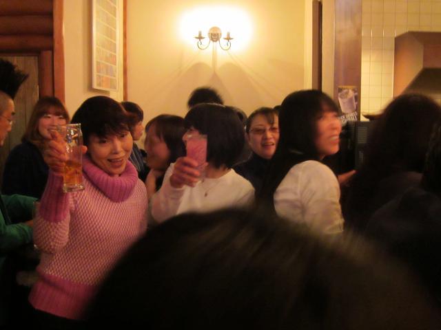 水曜会!新年会! 人!いっぱい!