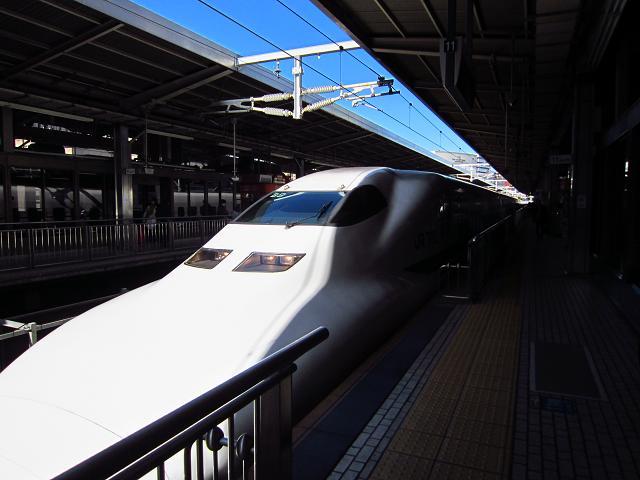 岡山~熱海 名古屋駅 ひかり