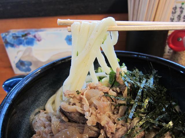 まるしん 肉しょうゆ 大盛 麺アップ