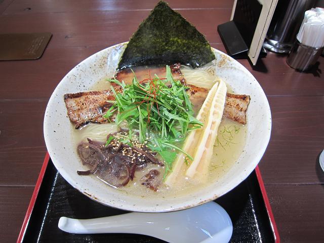 塩麺独歩 チャーシューめん(大盛)
