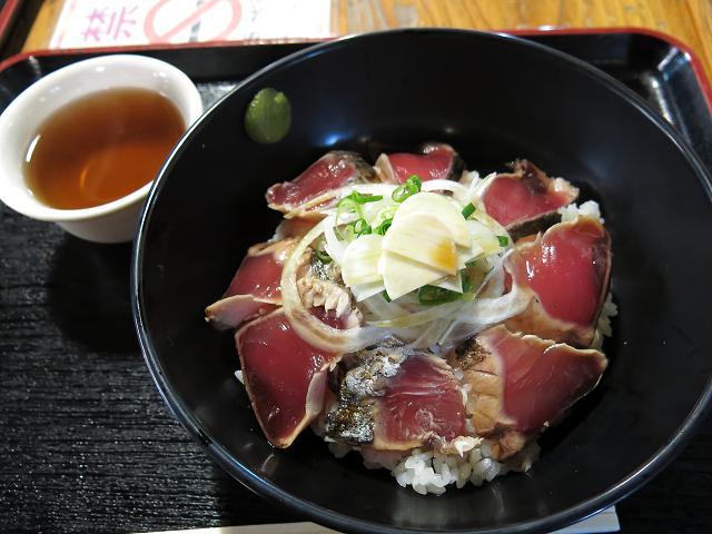 ひろめ市場「タタキ丼」の迷宮 EP2/どんぶりの十三(じゅうぞう)