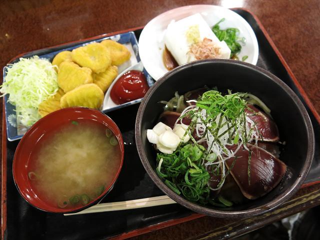 ひろめ市場「タタキ丼」の迷宮 EP3/くじら専門店・千松(せんしょう)