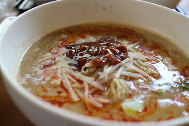 長江・担々麺2