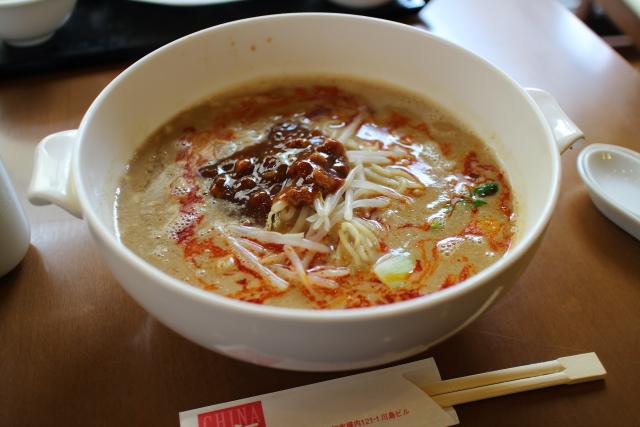 長江・担々麺1