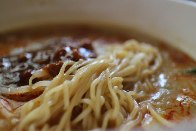 長江・担々麺4