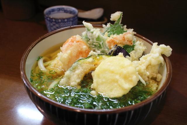 麺房まつみ・冷かけ天ぷらうどん2