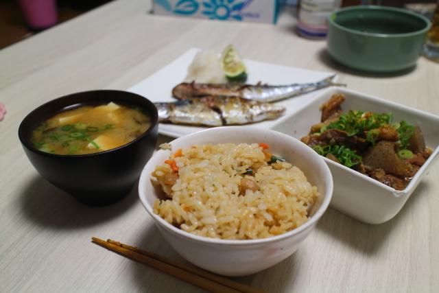 自作・牛すじ煮込み・秋刀魚9