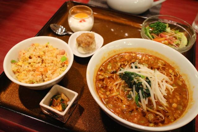 新阪急マンダリンコート・担々麺2
