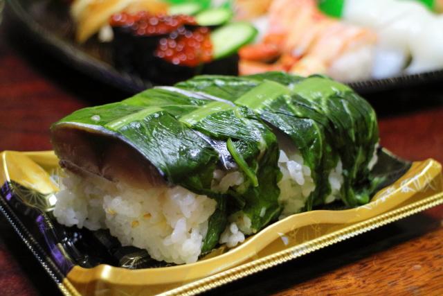 スシロー・とろ鯖寿司3