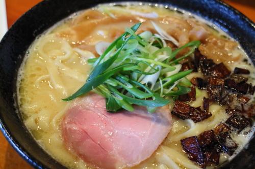 麺sHouse繋・白湯ラーメン4