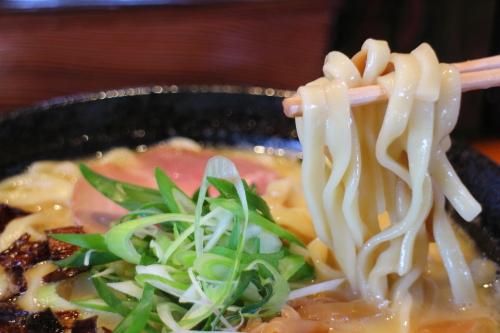 麺sHouse繋・白湯ラーメン6