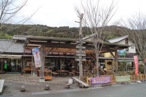 道の駅さめうら「食堂 与作」で高知県産米粉使用!嶺北牛肉うどん