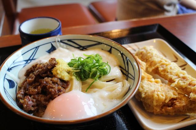 丸亀製麺・肉とろ玉うどん
