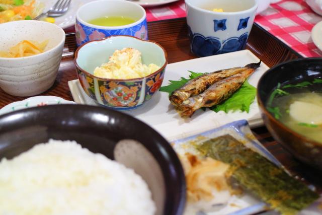朝7時開店!高知市のおすすめ和食モーニング「カフェレストすみれ」