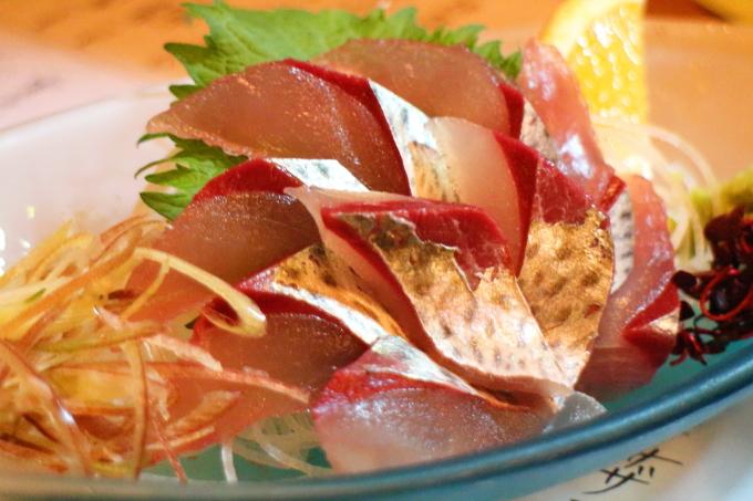 美食酒房 英屋 清水サバの刺身
