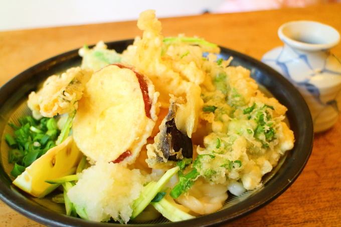 麺房三宅・冷し天ぷらうどん1