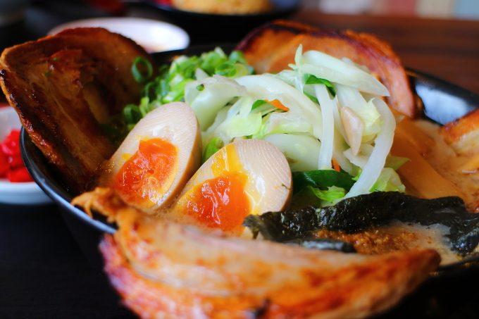 高知!土佐市「まるせいラーメン」豚骨スープ!あぶりチャーシュー麺