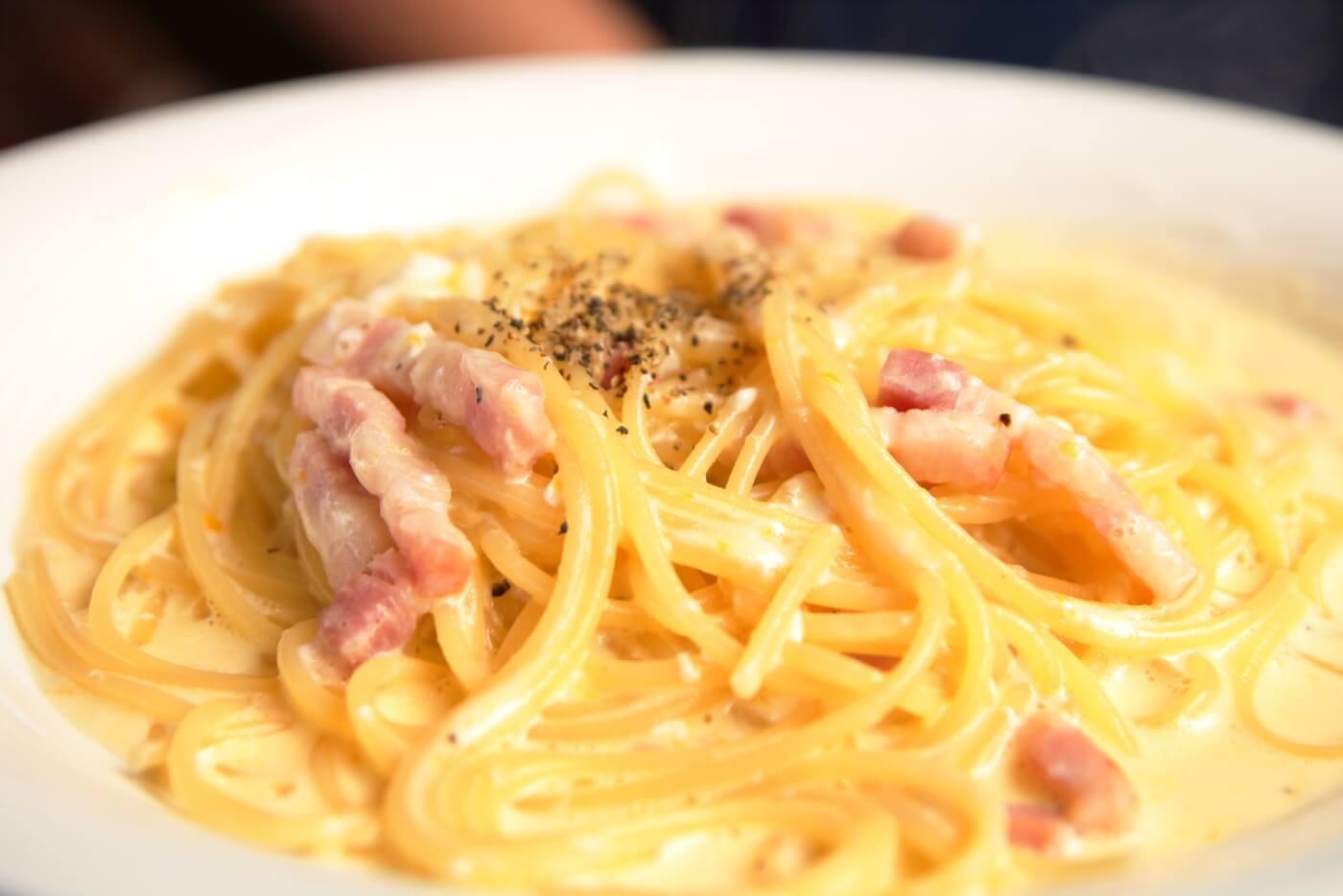 南国市浜改田 ナポリの風 パスタセット ベーコンと卵のカルボナーラ