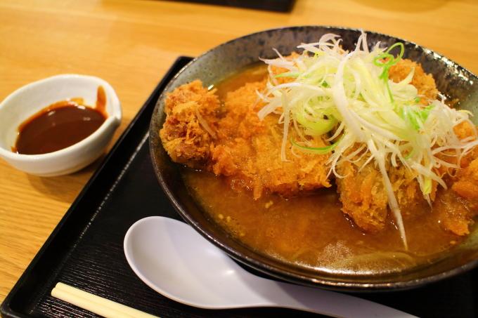 「高知ジェントル麺喰楽部」ジャンボカツらーめん(味噌)
