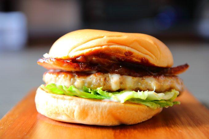 モスバーガー!とびきりハンバーグサンド「国産ベーコン&チーズ」