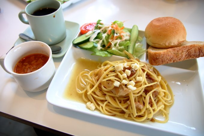 「ハーベスト」高知・卸団地で日替りメニューのパスタランチを食べる