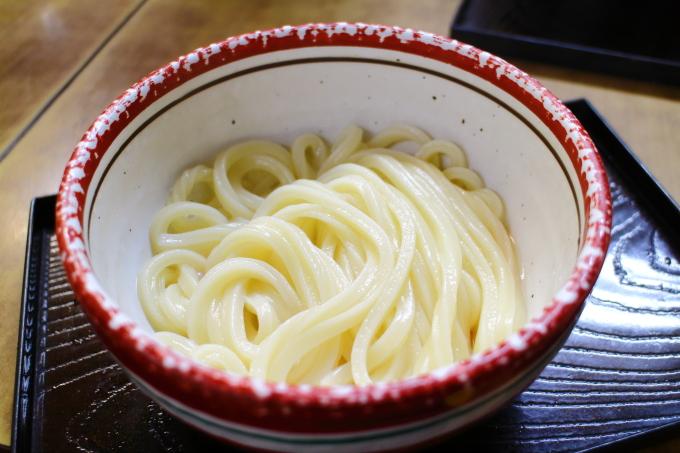 日の出製麺所の釜玉うどん
