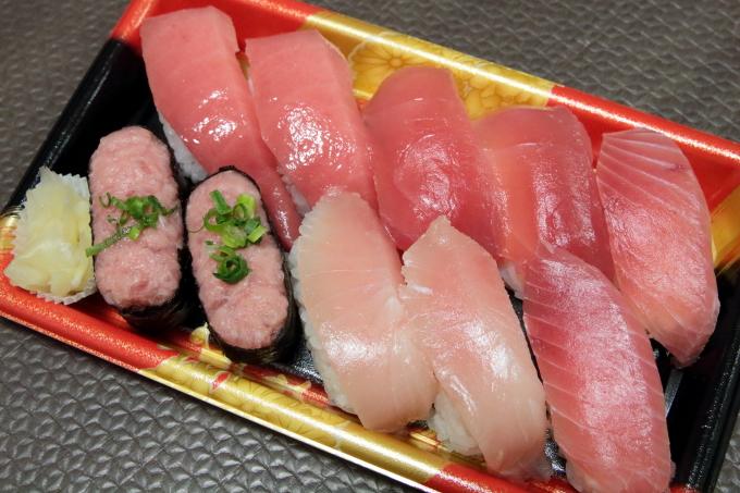 はま寿司の持ち帰り寿司 まぐろづくし