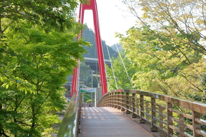 道の駅「霧の森」愛媛・四国中央市。カフェに温泉!川遊びもできるよ