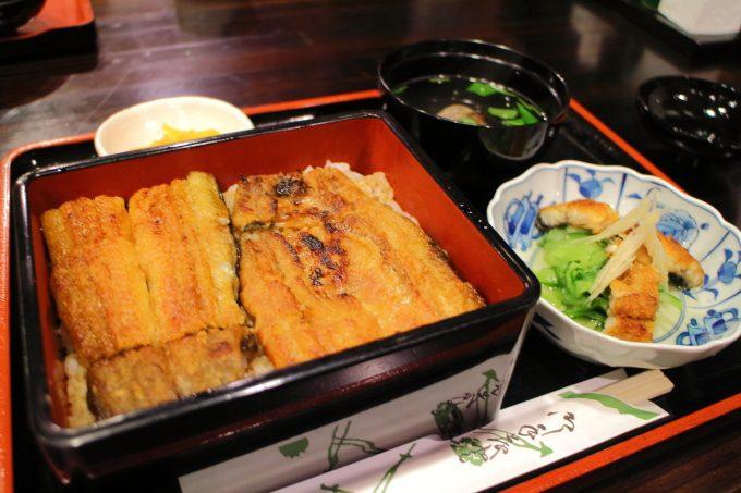 うなぎの名店「源内」高知市で美味しい炭火焼うなぎを食べる
