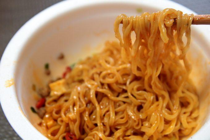 サッポロ一番「麺の至宝」汁なし四川麻婆味「刀削風麺」食べた感想