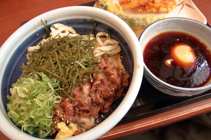 丸亀製麺・旨辛肉つけうどん