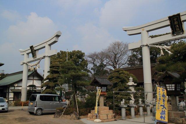 田村神社「日曜市うどん」香川・高松市。150円で食べる神社うどん!