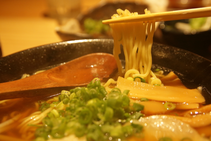 鯛小判、醤油ラーメンの麺
