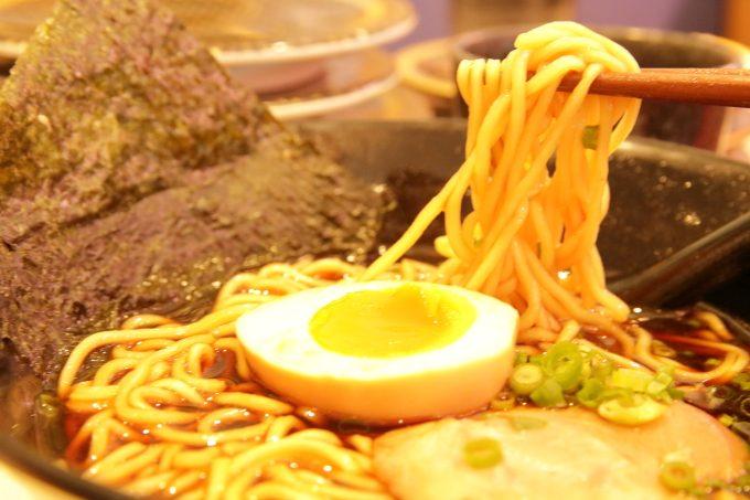 はま寿司・2017年10月5日からの期間限定フェアメニュー・荒節醤油ラーメン・麺