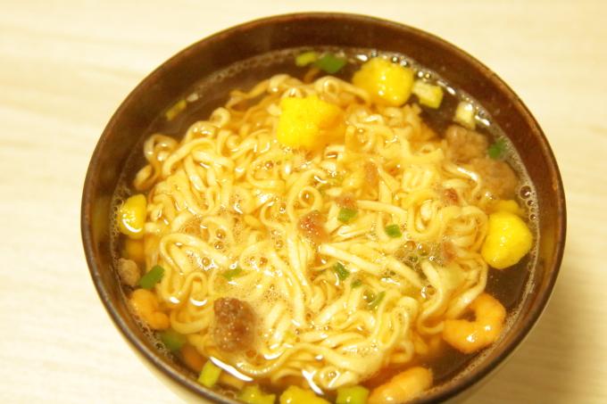 日清「お椀で食べるカップヌードル」できあがり