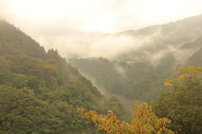 永瀬ダム、香北町側の山々・高知・香美市物部町