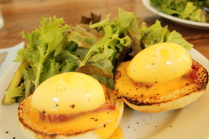 「モンゴモンゴ」高知・香南市野市町のカフェでエッグベネディクト!